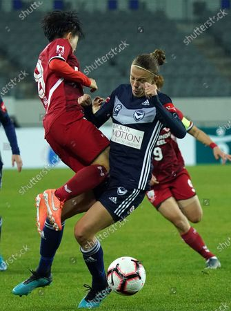 Lee So-dam of Incheon Hyundai Steel Red Angels (KOR), Amy Jackson of Melbourne Victory (AUS)