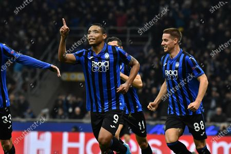 Atalanta's Luis Muriel jubilates after scoring the goal 1-0 during the UEFA Champions League Group C soccer match Atalanta BC vs Dinamo Zagreb at the Giuseppe Meazza stadium in Milan, Italy, 26 November 2019.