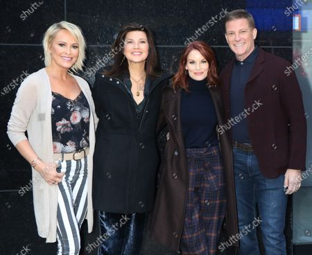Editorial photo of 'Strahan, Sara & Keke' TV show, New York, USA - 26 Nov 2019