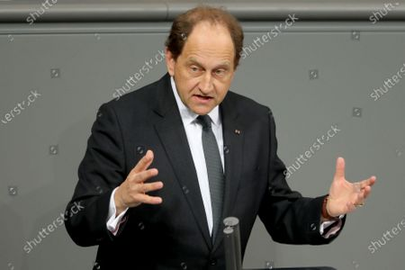 Alexander Graf Lambsdorff of the Free Democratic Party (FDP) speaks during a session of the German parliament 'Bundestag' in Berlin, Germany, 27 November 2019. Members of Bundestag debate on the government policy.