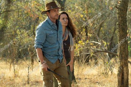Rob Lowe as Derek and Kristin Davis as Kate