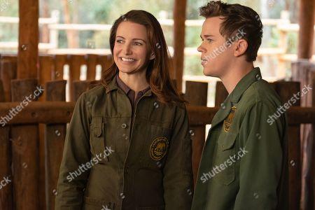 Kristin Davis as Kate and John Owen Lowe as Luke