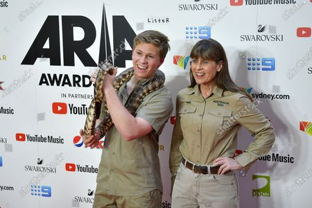 Robert Irwin (L) and Terri Irwin arrive at the 33rd Annual ARIA Music Awards at The Star in Sydney, Australia, 27 November 2019.