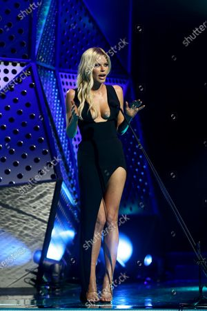 Sophie Monk presents the ARIA for Best Country Album during the 33rd Annual ARIA Music Awards at The Star in Sydney, Australia, 27 November 2019.