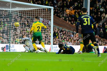 1st December 2019, Carrow Road, Norwich, England; Premier League, Norwich City v Arsenal : Tim Krul (01) of Norwich City is tested by Alexandre Lacazette (09) of Arsenal Credit: Georgie Kerr/News Images