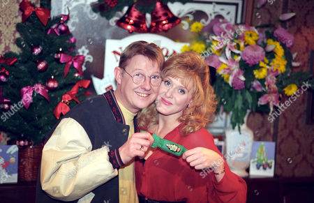 Kevin Kennedy (as Will Curly Watts) and Sarah Lancashire (as Raquel Wolstenhulme), Coronation Street Christmas - 1994