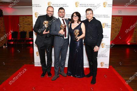 Simon Welton, Sarah Clarke, Roman Green - Entertainment - Play Your Pets Right