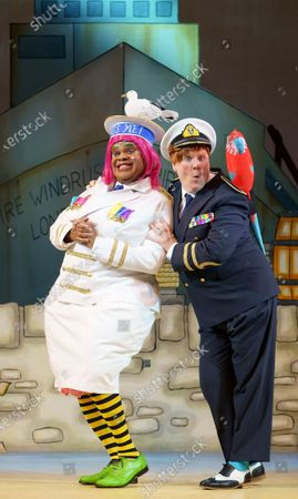 Clive Rowe as Sarah the Cook, Tony Whittle as Alderman Fitzwarren