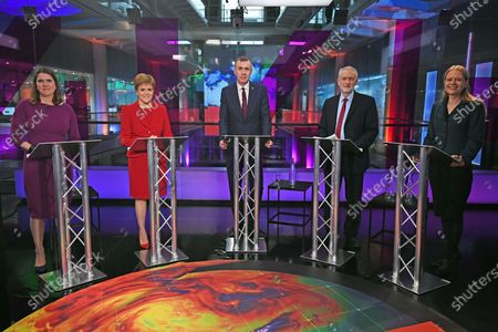 (L-R) Liberal Democrat leader Jo Swinson, SNP leader Nicola Sturgeon, Plaid Cymru leader Adam Price, Labour Party leader Jeremy Corbyn and Green Party Co-Leader Sian Berry, pose in the studio before the start of the Channel 4 News' General Election climate debate at ITN Studios in Holborn, central London, Britain, 28 November 2019.
