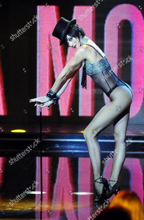 Dancer, Nora Mogalle