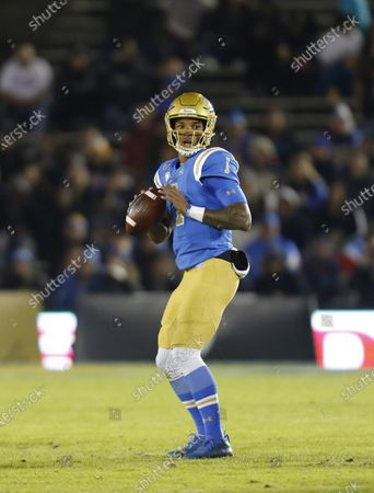 UCLA Bruins quarterback Dorian Thompson-Robinson #1 throws a pass during the NCAA football game between the California Golden Bears and the UCLA Bruins at the Rose Bowl in Pasadena, California. Mandatory Photo Credit : Charles Baus/CSM