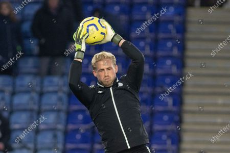 Kasper Schmeichel (1) warms up during the Premier League match between Leicester City and Everton at the King Power Stadium, Leicester