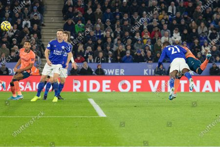 GOAL - Richardlison (7) beats Ricardo Pereira (21) to cxore during the Premier League match between Leicester City and Everton at the King Power Stadium, Leicester
