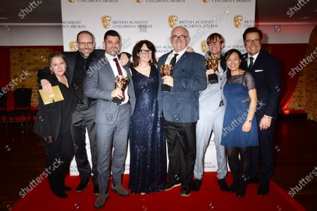 Simon Welton, Roman Green, Sarah Clarke and guests - Winners of The Entertainment Award