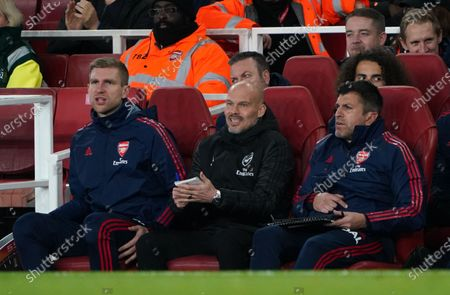 Arsenal caretaker manager Freddie Ljungberg next to assistant coach Per Mertesacker