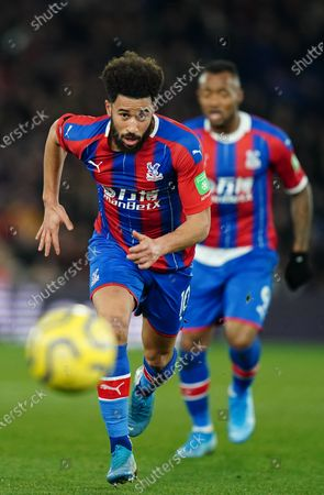 Andros Townsend of Crystal Palace runs for the ball