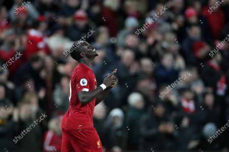 Sadio Mane of Liverpool celebrates scoring his sides fourth goal to make the score 4-1