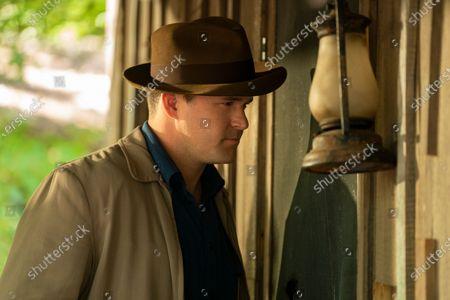 Kyle Bornheimer as Landon