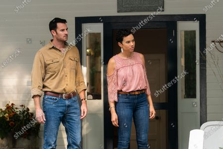 Benjamin Lawson as Clay Fox and Michele Weaver as Phyllis
