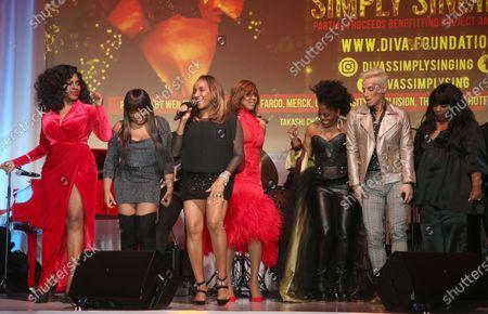 Stock Picture of Sheryl Lee Ralph, Deborah Cox, Shanice Wilson, Rhonda Ross Kendrick, Elaine Gibbs and Frankie Grande