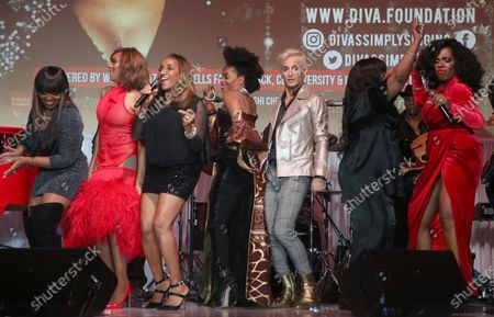 Sheryl Lee Ralph, Deborah Cox, Shanice Wilson, Rhonda Ross Kendrick, Elaine Gibbs and Frankie Grande