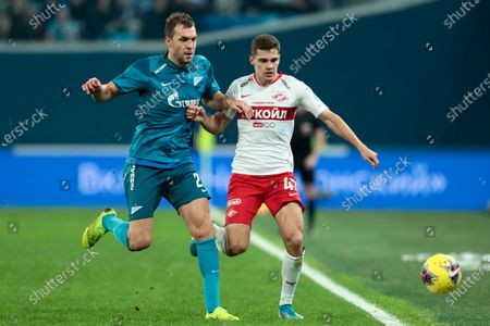 Artyom Dzyuba of Zenit St Petersburg and Roman Zobnin of Spartak Moscow