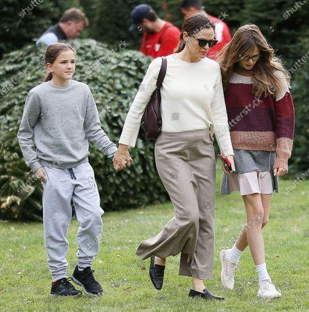 Seraphina Affleck, Jennifer Garner and Violet Affleck shopping for Christmas trees at Palisades Church