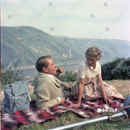 O.W. Fischer as Rolph and Muriel Pavlow as Dina