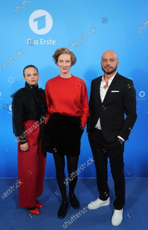 The new Radio Bremen Tatort crime series team Jasna Fritzi Bauer, Luise Wolfram and Dar Salim during a photo call before the annual press conference of the German ARD broadcaster in Hamburg, 03 December 2019. The ARD is the working group of German public broadcasters with ten members throughout the country.