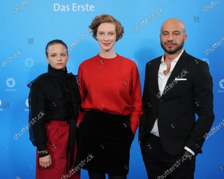 Stock Picture of The new Radio Bremen Tatort crime series team Jasna Fritzi Bauer, Luise Wolfram and Dar Salim during a photo call before the annual press conference of the German ARD broadcaster in Hamburg, 03 December 2019. The ARD is the working group of German public broadcasters with ten members throughout the country.