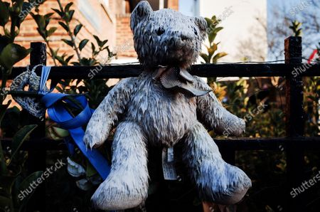 A teddy bear memorial sits fixed to fencing close to the remains of Grenfell Tower, destroyed by fire in June 2017, shrouded in sheeting in North Kensington, London. Seventy-two people died in the blaze, the severity of which many local residents blamed afterwards on the impact of years of Conservative government neglect of the area and its social housing. For decades represented by Conservative Party MPs, North Kensington falls within the parliamentary constituency of Kensington, currently the most marginal in the whole of England, won off the Tories by the Labour Party and its candidate, Emma Dent Coad, by just 20 votes in the 2017 general election held just a week before the tragedy. In the upcoming December 12 election the constituency is again a key battleground, this time with the Liberal Democrats and their ex-Tory candidate Sam Gyimah also strongly in contention.