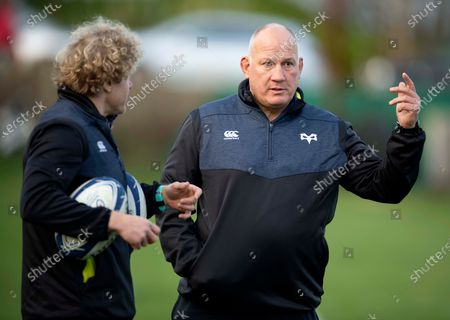 Mike Ruddock and Duncan Jones during training.