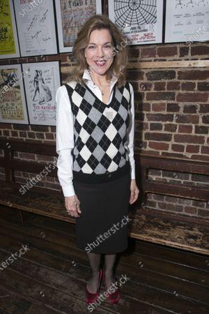 Janie Dee (Madame Dubonnet)