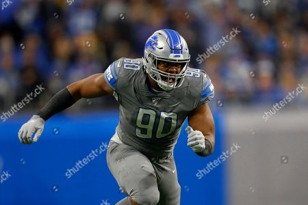 Detroit Lions defensive end Trey Flowers plays against the Chicago Bears during an NFL football game in Detroit