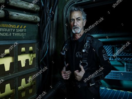 David Strathairn as Commander Klaes Ashford