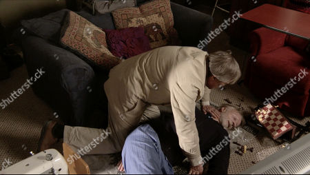 Ep 9954 Wednesday 18th December 2019 - 1st Ep Richard, as played by Paul Bown, answers another call from Roy Cropper, as played by David Neilson, and, keeping quiet about his fall, pretends all's well. Roy finally returns to Richard's flat to find him passed out on the floor. As the paramedics try to revive him, Nina arrives in time to hear him pronounced dead.