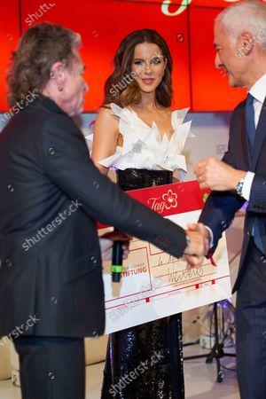 Stock Picture of Peter Makkay, Kate Beckinsale, Carlo Vasallo