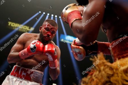 Badou Jack, left, fights Marcus Browne in the WBA interim light heavyweight title boxing bout, in Las Vegas