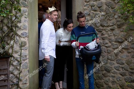 Ep 8685 & 8686 Wed 25 Dec 2019 - Christmas Day 2019  It's Christmas morning and Jacob Gallagher, as played by Joe Warren Plant, David Metcalfe, as played by Matthew Wolfenden, Leyla Harding, as played by Rokhsaneh Ghawam-Shahidi, and Pollard, as played by Chris Chittell, congregate to wish one another a Merry Christmas. Their idyllic morning is shattered when Jacob opens the front door to find a baby on the doorstep. They discover a note signed from Maya, but are initially unconvinced it's from her - could it be?