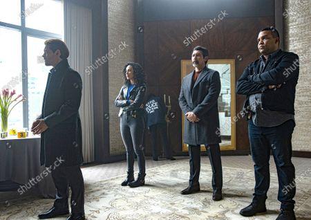 Tom Payne as Malcolm Bright, Aurora Perrineau as Dani Powell, Lou Diamond Phillips as Gil Arroyo and Frank Harts as JT Tarmel
