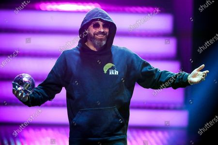 German rapper, actor and music producer Sido holds his award 'Best Act' during the 20th 1LIVE Krone radio award at Jahrhunderthalle in Bochum, Germany, 05 December 2019. The radio award 1LIVE Krone is given to the best national artists of the music industry.