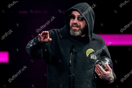 German rapper, actor and music producer Sido delivers his acceptance speech with his award 'Best Act' during the 20th 1LIVE Krone radio award at Jahrhunderthalle in Bochum, Germany, 05 December 2019. The radio award 1LIVE Krone is given to the best national artists of the music industry.