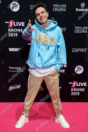 German pop singer-songwriter Mike Singer poses at the 20th 1LIVE Krone radio awards ceremony at the Jahrhunderthalle in Bochum, Germany, 05 December 2019. The radio award 1LIVE Krone is given to the best national artists of the music industry.