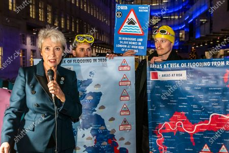 Emma Thompson gives the final weather Forecast - Exinction Rebellion 12 Days of Crisis Day 5 extreme weather warning broadcast outside the BBC - Dame Emma Thompson DBE