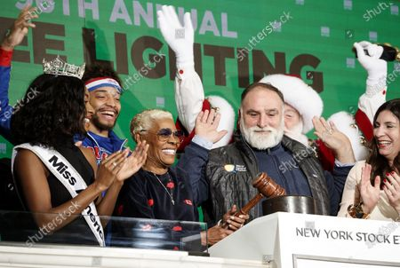 Miss America 2019 Nia Franklin (L), US singer Dionne Warwick (3-L), Spanish Chef Jose Andres (4-L) and Stacey Cunningham (R), the President of the New York Stock Exchange, ring the closing bell of the New York Stock Exchange in New York, USA, 05 December 2019. Andres and Warwick were participating in the lighting of the New York Stock Exchange's Christmas Tree.