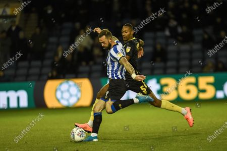Steven Fletcher of Sheffield Wednesday good chance but shot is saved during the EFL Sky Bet Championship match between Sheffield Wednesday and Brentford at Hillsborough, Sheffield