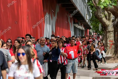 Supporters of Estudiantes de La Plata waits to enter the presentation of Javier Mascherano to the team in the stadium Jorge Luis Hirschi of La Plata, Argentina, 07 December 2019.