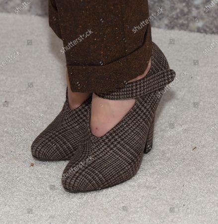 Christina Hendricks, shoe detail