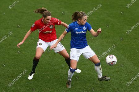 Abbie McManus of Manchester United and Simone Magill of Everton