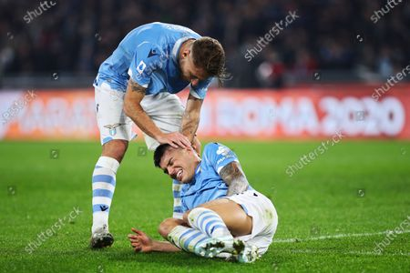Ciro Immobile of Lazio (UP) helps Joaquin Correa after a tackle with Wojciech Szczesny during the Italian championship Serie A football match between SS Lazio and Juventus on at Stadio Olimpico in Rome, Italy - Photo Federico Proietti/ESPA-Images